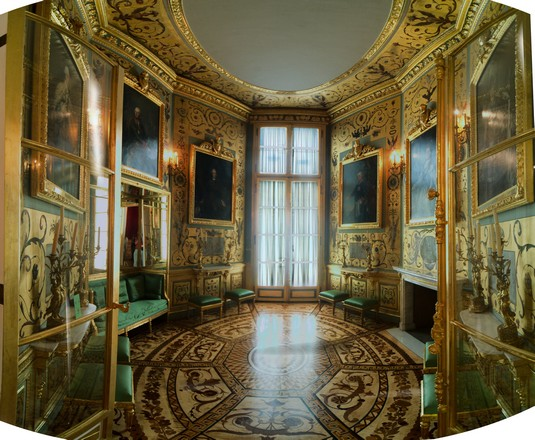 القصر الملكي في وارسو من اجمل اماكن السياحة في بولندا