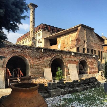 البلدة القديمة من افضل اماكن السياحة في رومانيا بوخارست