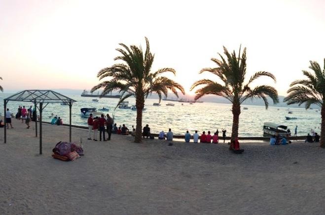 رحلات بحرية في شاطئ الحفاير في العقبة