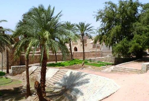 طبيعة ومباني منطقة شاطئ الحفاير في العقبة