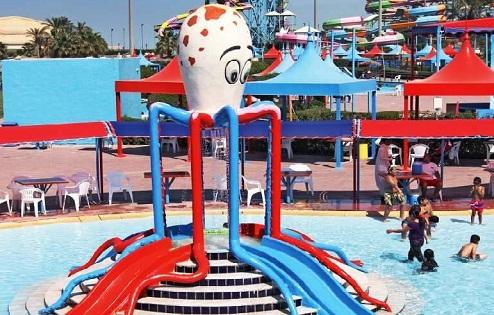 منطقة الأطفال في أكوا بارك في العاصمة الكويتية