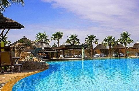 بحيرة متنزه قطر المائي في الدوحة