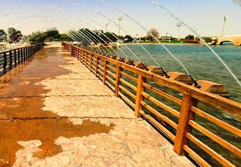 جسر النافورة في متنزه أسباير في الدوحة