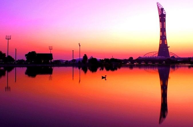 مشهد مسائي لمتنزه أسباير في الدوحة