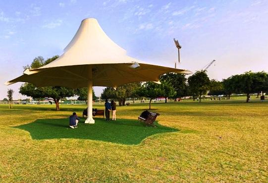 مظلات ومقاعد متنزه أسباير في الدوحة - الاماكن السياحية في قطر