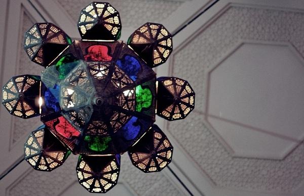 مكتبة المسجد الكبير في العاصمة الكويتية