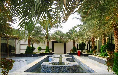 باحات المسجد الكبير في العاصمة الكويتية