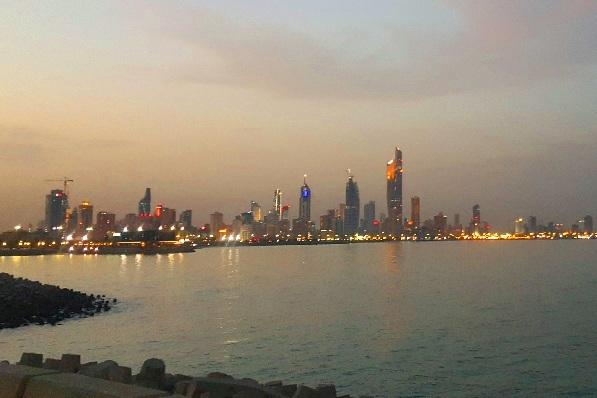بحيرة الجزيرة الخضراء في الكويت