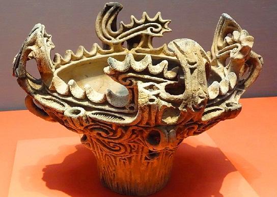 منحوتة يعود تاريخها لما قبل الميلاد في متحف طوكيو الوطني