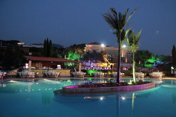 منتجع وايفز أكوا بارك بيروت - السياحة في بيروت