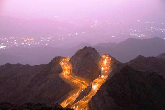 الطريق المؤدي إلى مدينة الهدا في الطائف - السياحة في الطائف