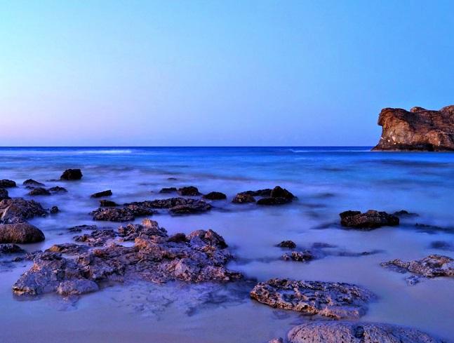 مشهد من شاطئ كليوباترا في مصيف مرسى مطروح