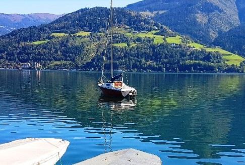 رحلة بحرية قرب متنزه إليزابيث في زيلامسي النمسا