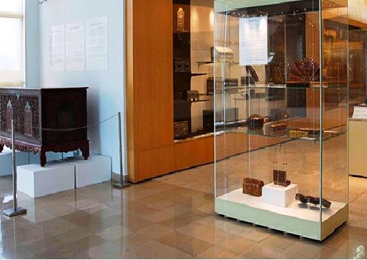 قاعة الآثار الخشبية في متحف الفنون الإسلامية في كوالالمبور