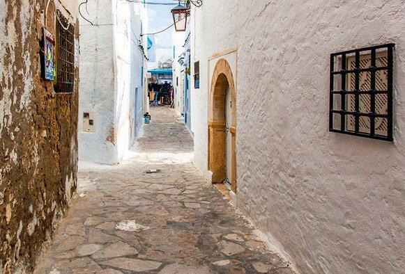مشهد لمدينة الحمامات القديمة في الحمامات - الاماكن السياحية في الحمامات تونس
