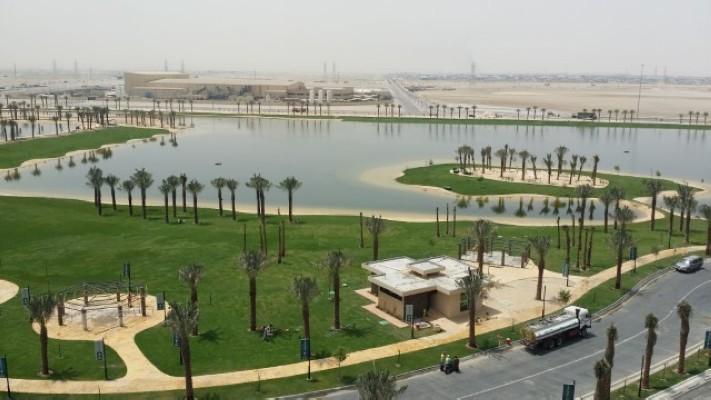 بحيرة مدن بالدمام