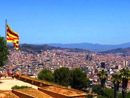 أسطح قلعة مونتجويك في برشلونة إسبانيا