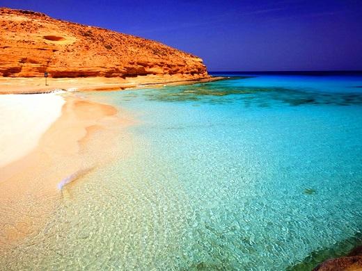 مشهد لشاطئ روميل من اجمل شواطئ مرسى مطروح
