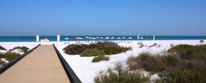 شاطئ السعديات بأبو ظبي