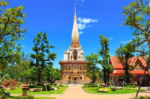 قصر وات تشالونج بتايلاند