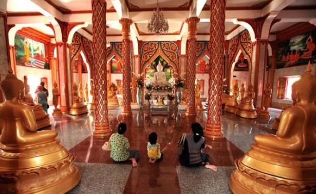 معبد وات تشالونج بتايلاند