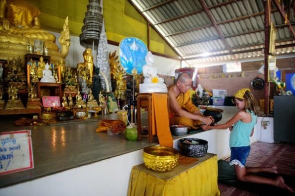 تمثال بوذا العملاق بتايلاند