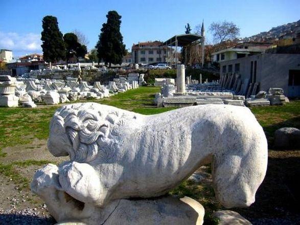 متحف بقايا اغورا من اشهر متاحف السياحة في تركيا ازمير