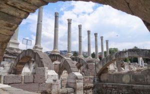 متحف الهواء الطلق بقايا اغورا ازمير تركيا