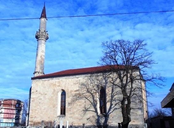 مسجد فتحية في مدينة بيهاتش