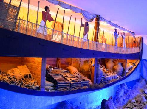 سفينة أولوبورون المصرية في متحف بودروم للآثار البحرية