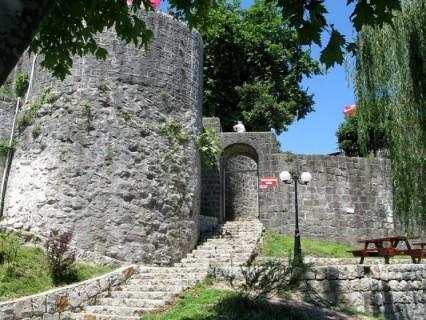 قلعة ريزا من افضل الاماكن السياحية في ريزا