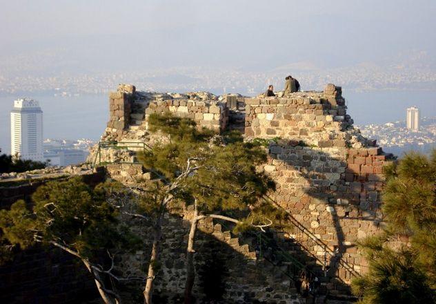 قلعة كاديفي كالي ازمير