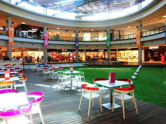مطاعم مركز ميدتاون للتسوق في بودروم