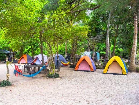 التخييم في جزيرة بايار في لنكاوي