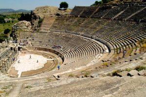 تعرف على مدينة افسس القديمة في ازمير احدى اهم الاماكن السياحية في ازمير تركيا