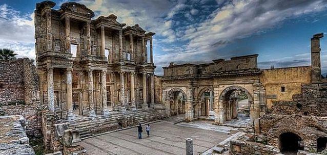 مدينة افسس القديمة في ازمير التركية