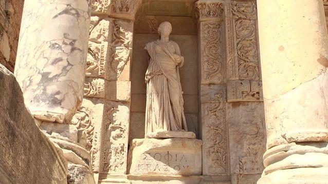 مدينة افسس القديمة احدى معالم السياحة في تركيا ازمير