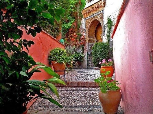 حي البيازين في غرناطة من اهم الاماكن السياحية في غرناطة اسبانيا