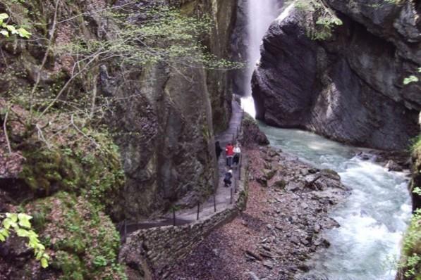 الخوانق المائية في قارمش بارتنخ - السياحة في قارمش
