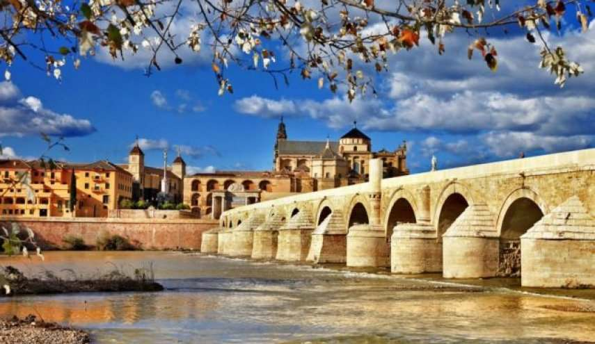 الجسر الروماني قرطبة من افضل معالم قرطبة التاريخية