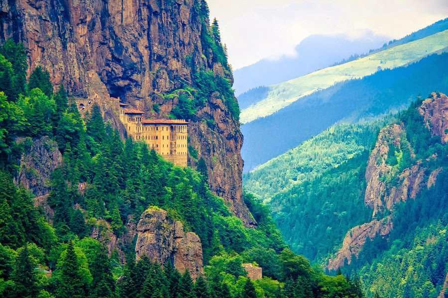 طرابزون السياحة في تركيا في اجمل مدن تركيا السياحية تعرف على اجمل الاماكن السياحية في تركيا و المناطق السياحية في تركيا التي تستقطب السياح حول العالم من اجل السفر الى تركيا
