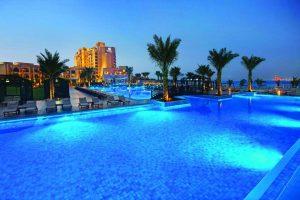 فندق دبل تري راس الخيمة من افضل فنادق راس الخيمة في الامارات .