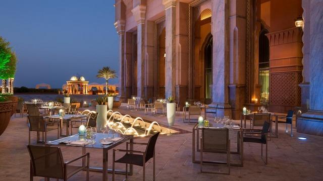 فندق قصر الامارات في ابوظبي من افضل الفنادق في ابوظبي ، مطاعم قصر الامارات من افضل مطاعم ابوظبي