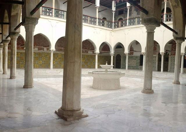 قصر احمد باي في قسنطينة من اماكن السياحة في قسنطينة
