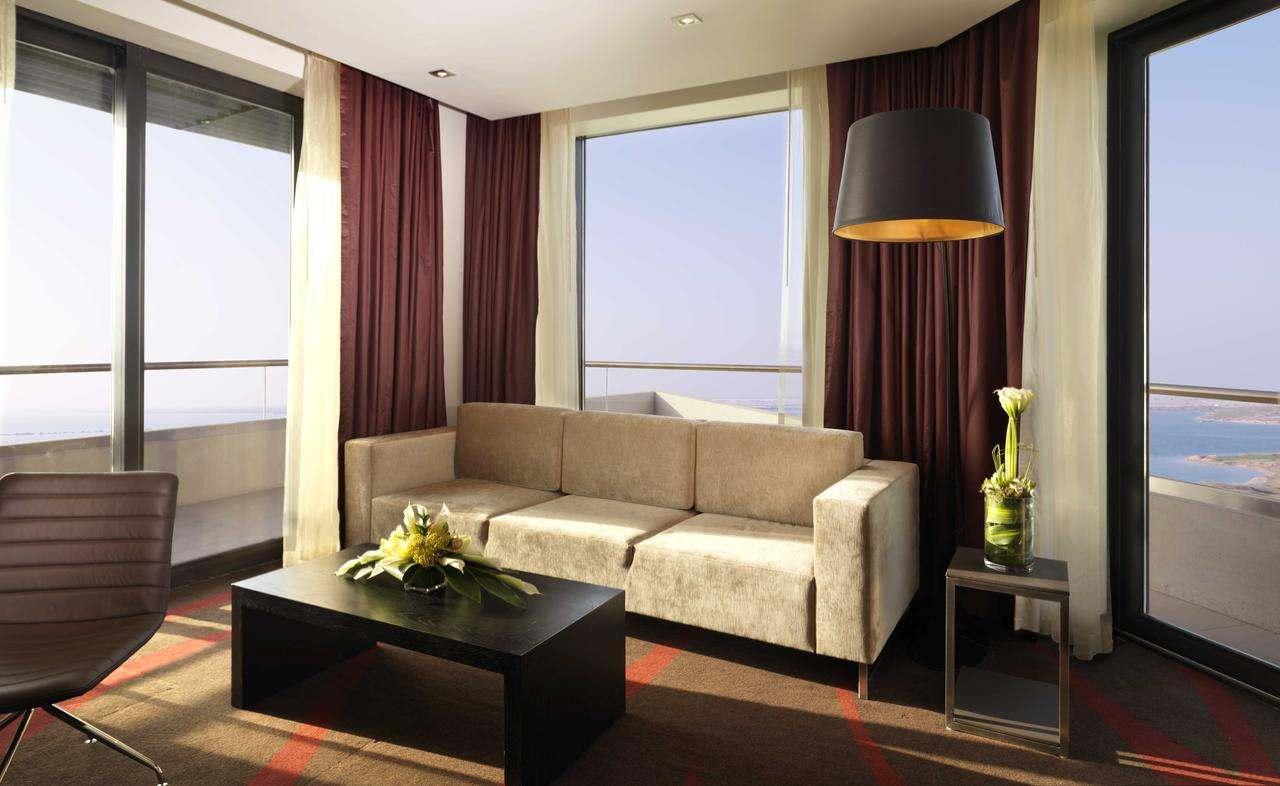 فندق راديسون بلو جزيرة ياس من افضل فنادق ابو ظبي