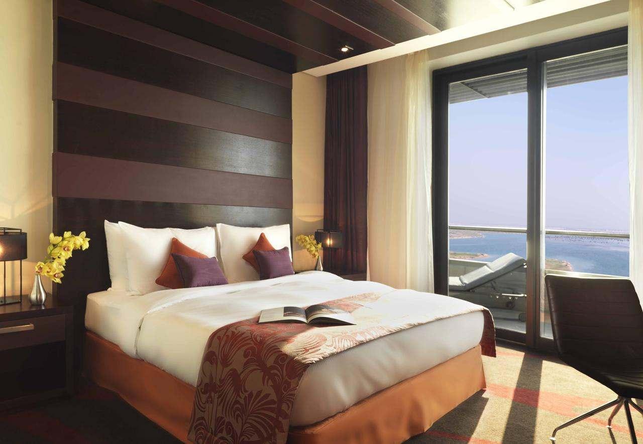 سلسلة فندق راديسون بلو أبو ظبي
