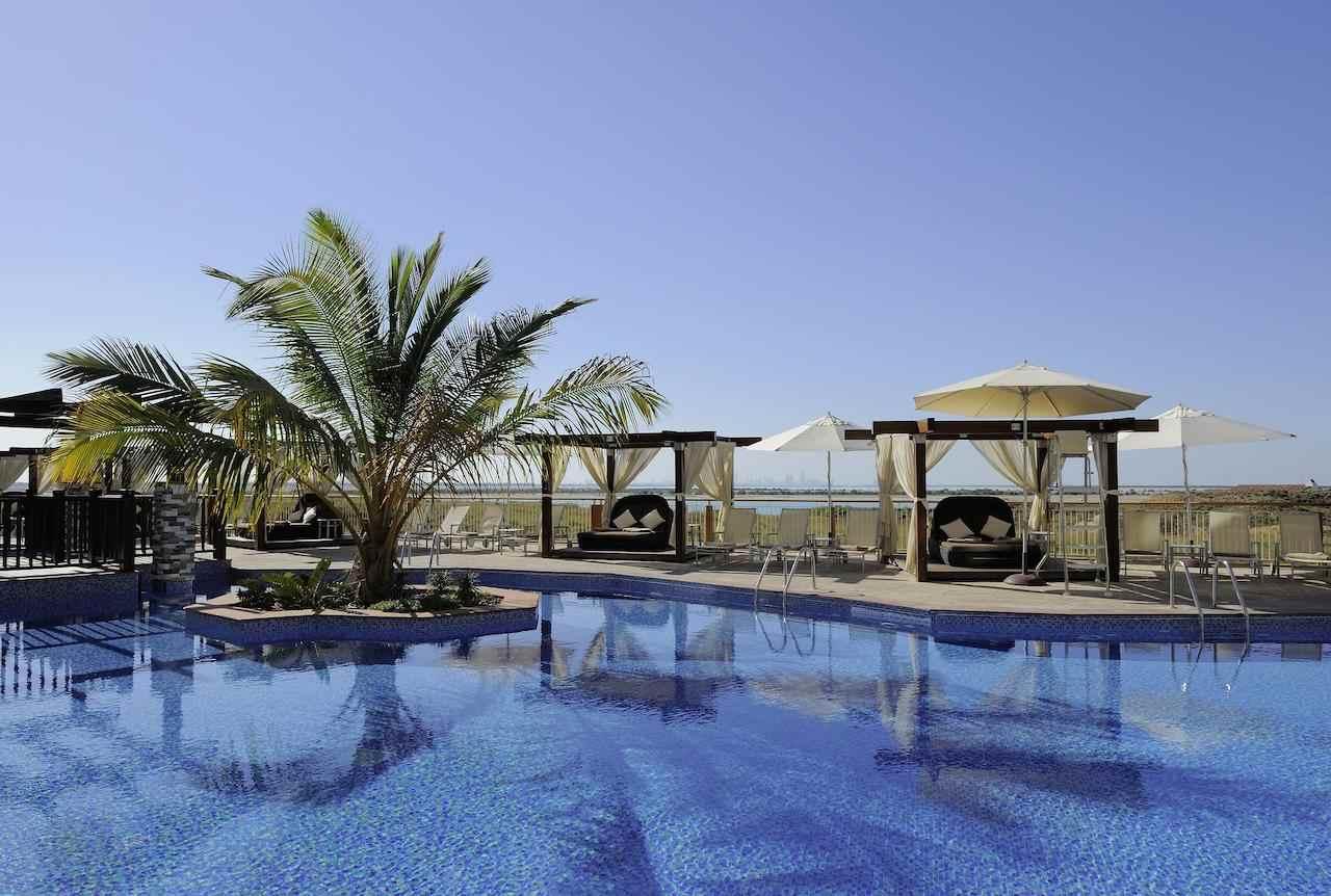 فندق راديسون بلو في جزيرة ياس من افضل الفنادق في ابوظبي الامارات