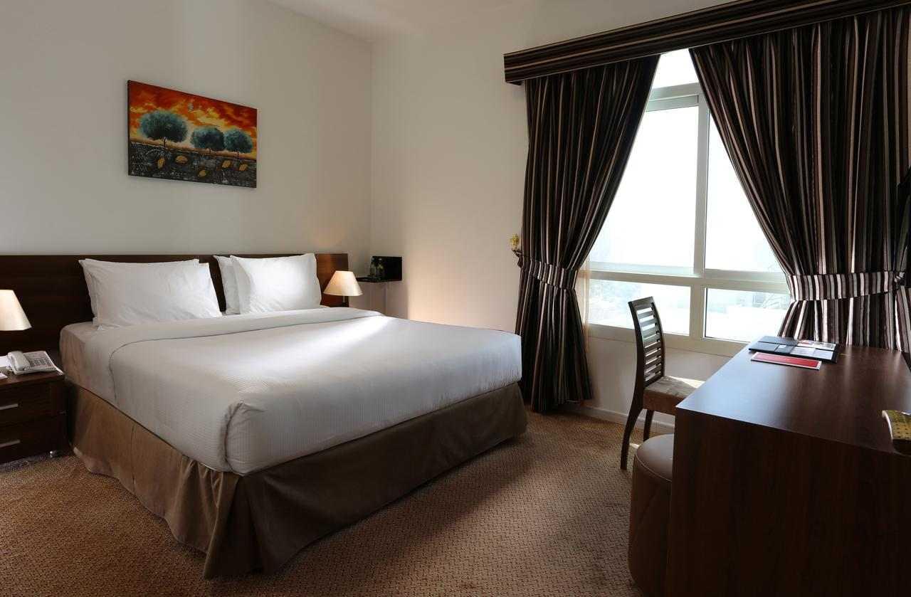 فندق رمادا عجمان بيتش من افضل فنادق في عجمان