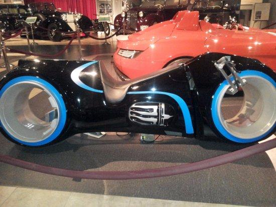 متحف السيارات الملكي الاردني من افضل الاماكن السياحية في الاردن