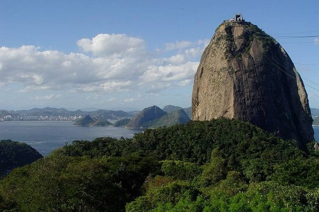 جبل السكر ريو دي جانيرو من اشهر معالم ريو دي جانيرو